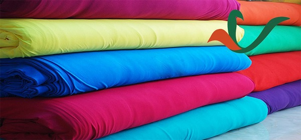 Lựa chọn chất liệu vải là yếu tố quan trọng hàng đầu khi may đồng phục nhà hàng khách sạn