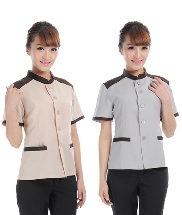 Nhân viên phục vụ chuyên nghiệp trong một bộ đồng phục đẹp sẽ có thể làm tăng được sự gợi nhớ về thương hiệu của khách sạn