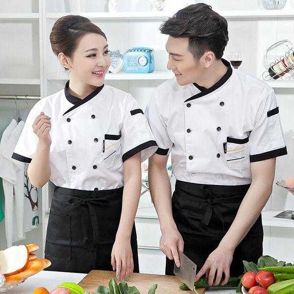 Những người làm nghề đầu bếp cũng thường có cho riêng mình một bộ trang phục để mặc trong khi làm việc