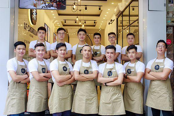 Bộ đồng phục chính là yếu tố tạo nên sự chuyên nghiệp cho một nhà hàng, khách sạn
