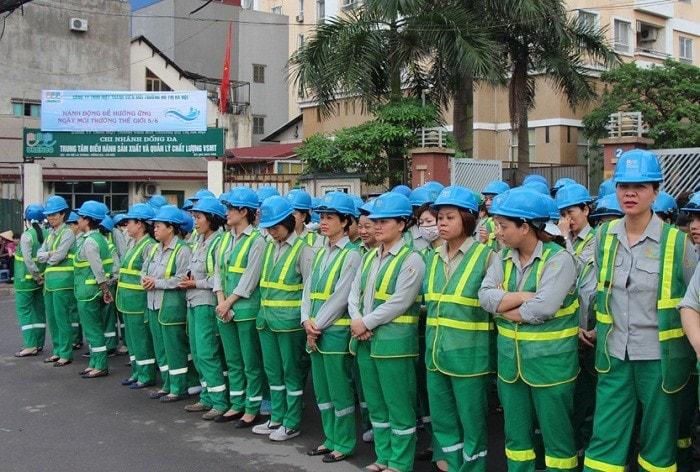 Đồng phục công nhân vệ sinh tạo nên một tập thể đoàn kết cũng như một tinh thần, khí thế khi làm việc cho công nhân.