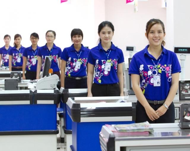 Khách hàng có thể tham khảo các mẫu áo đồng phục siêu thị đẹp tại đồng phục phố cảng